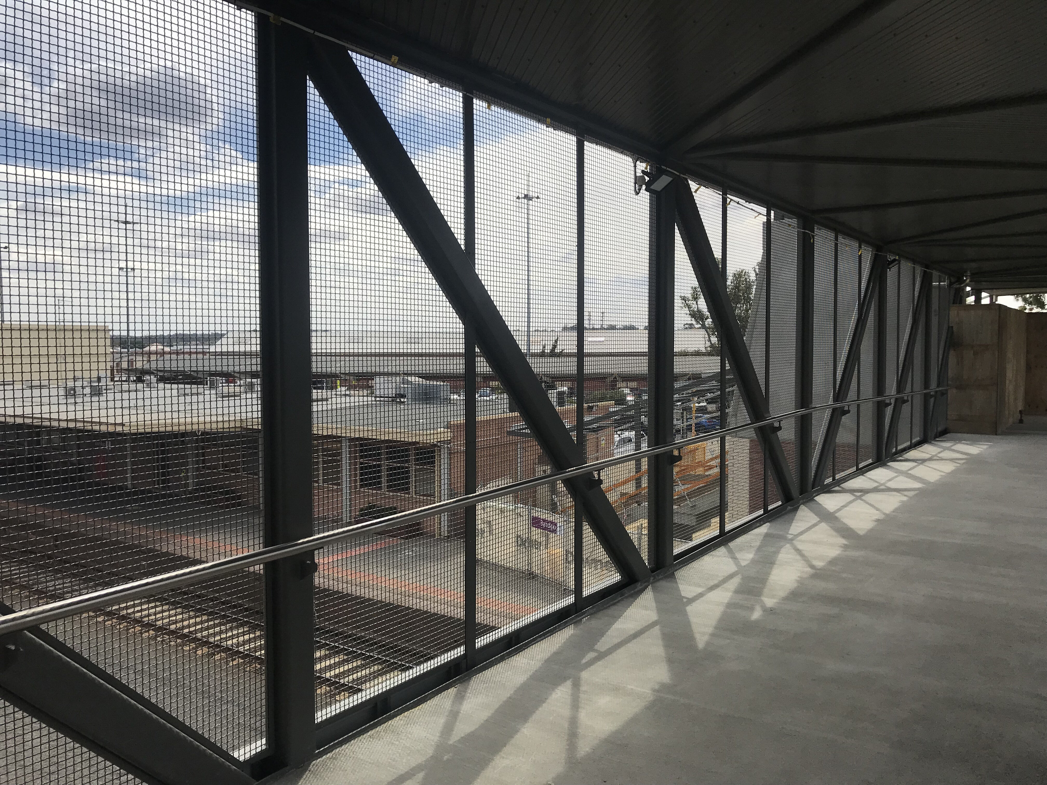 Bendigo station footbridge installation